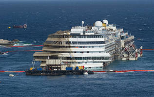 disgraced costa concordia captain returns to ship wreck